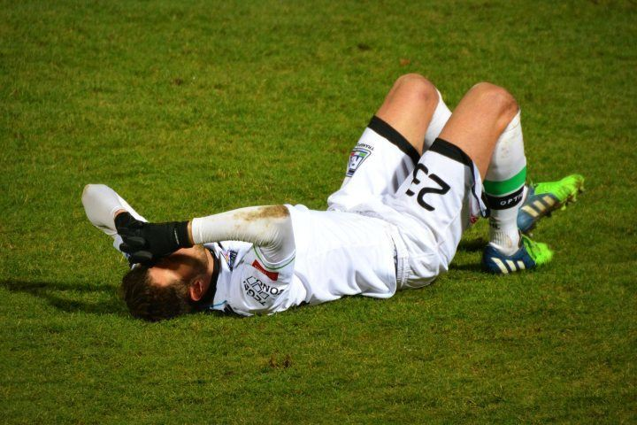 soccer player injured